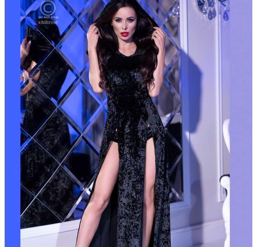Lang, zwart velours kleed met kap